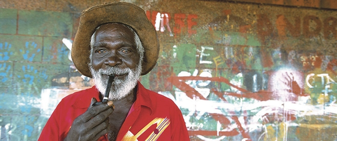 Aboriginal artist, Injalak Craft Centre